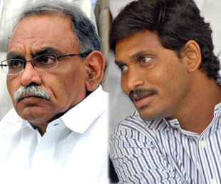 'YSR Soul' Helping Jagan Secretly