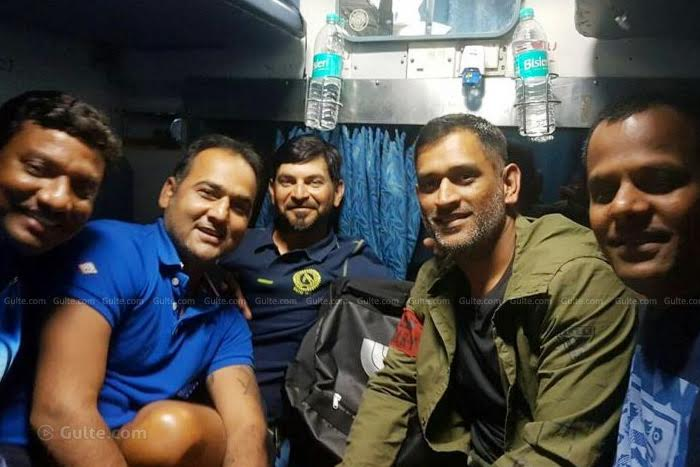 MS Dhoni leaves luxury car, travels in train after 13 years