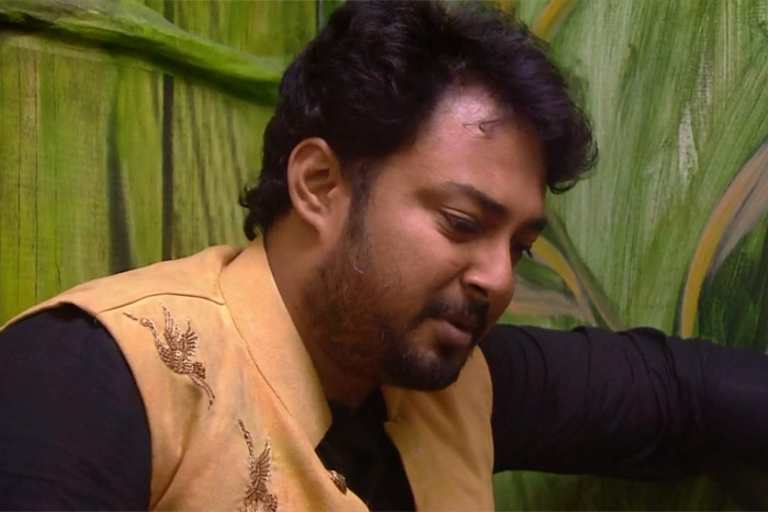 #BigBoss2: How Does Tanish Know That Song?