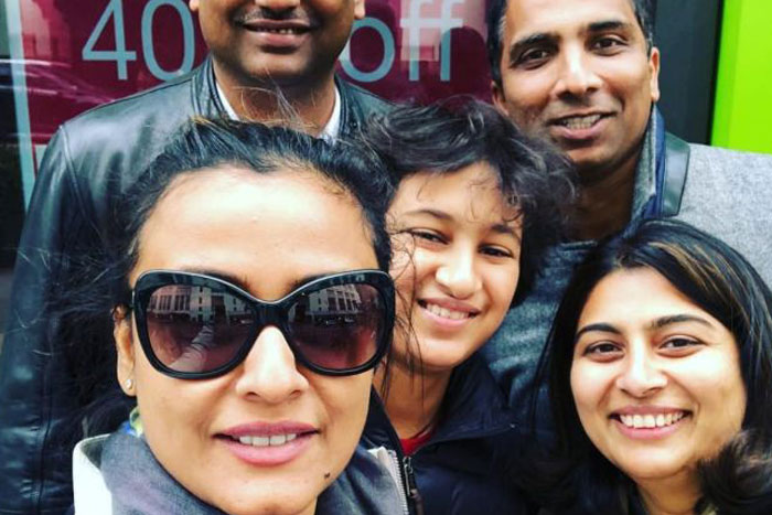 Pics: Mahesh's family having best time in New York