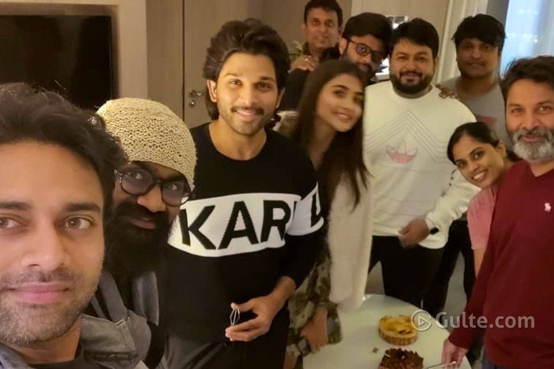 Pic Talk: Bunny, Trivikram & Co Selfie From Paris