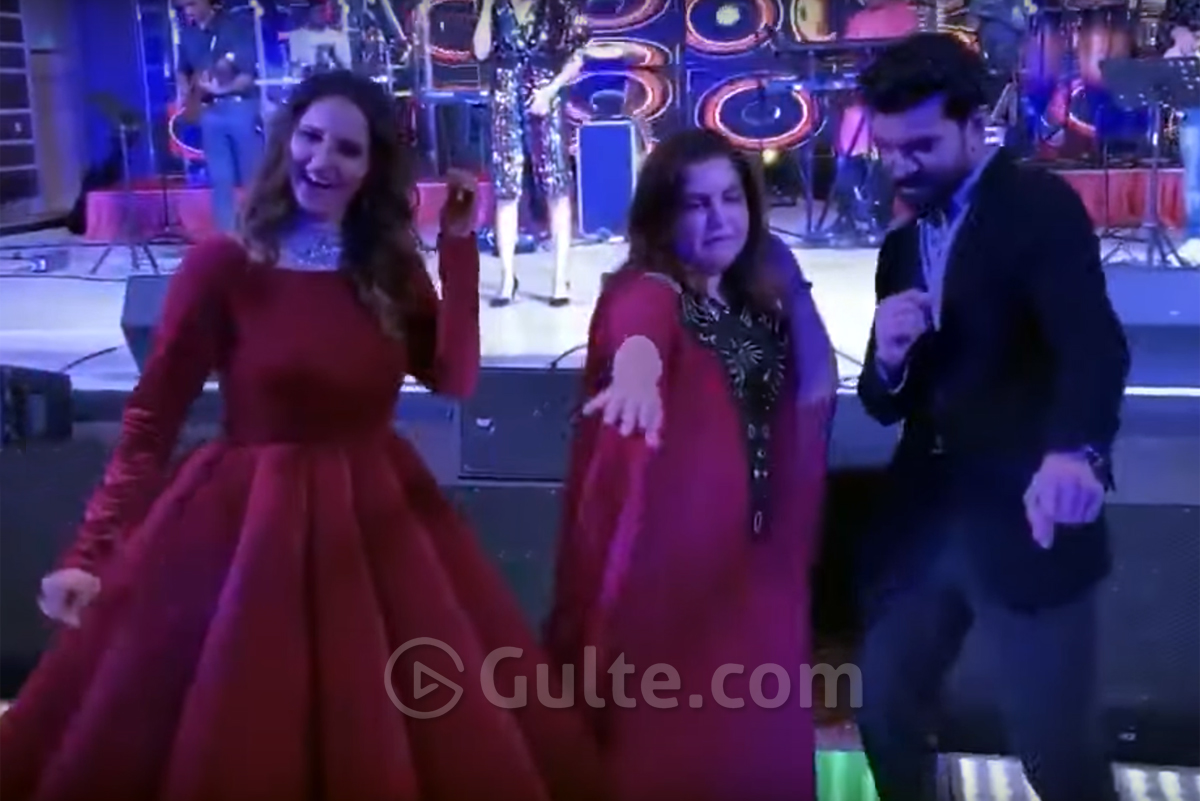 Viral Video: Charan's Dance With Sania Mirza