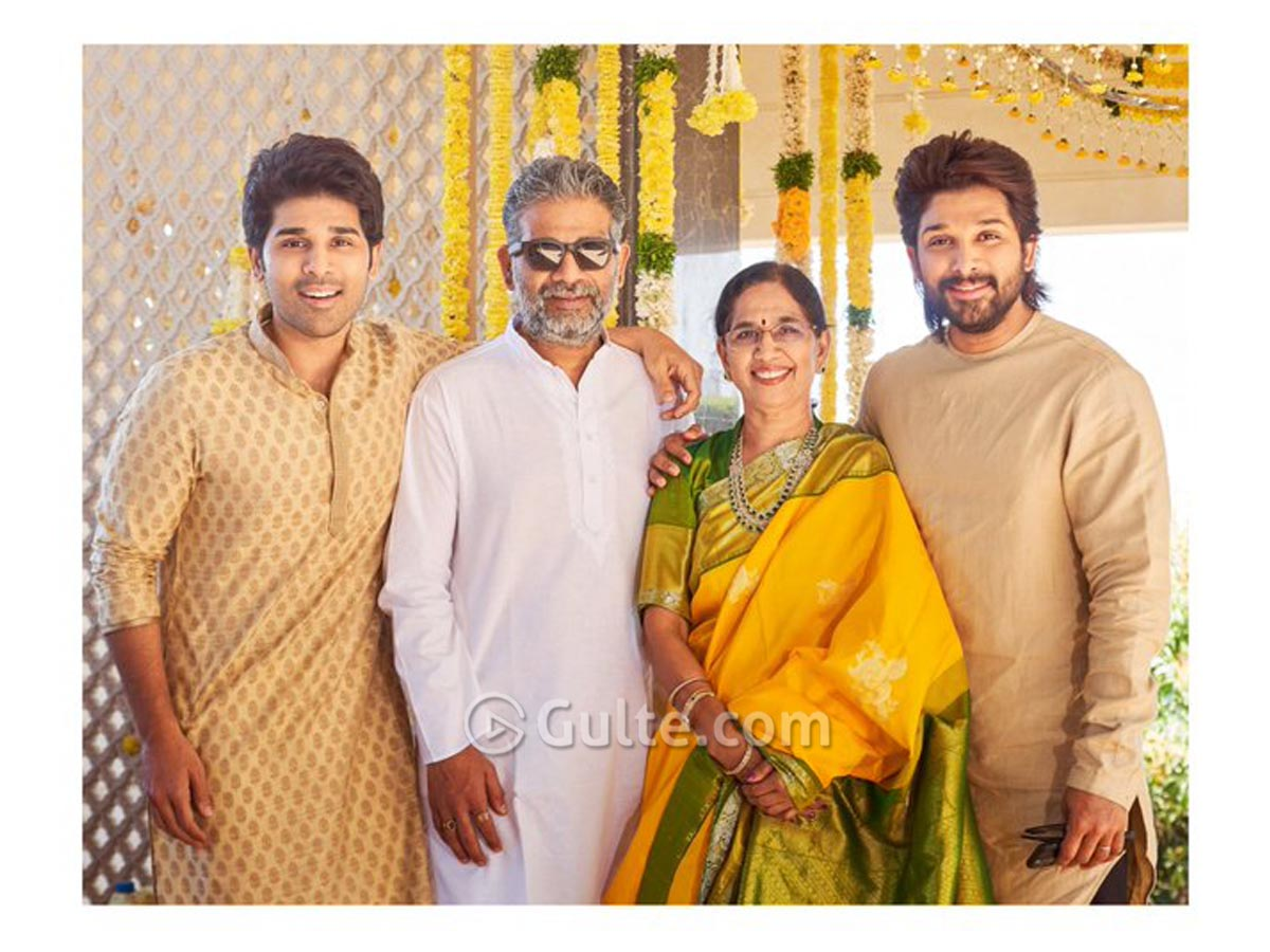 Pic : Allu Brothers With Mom