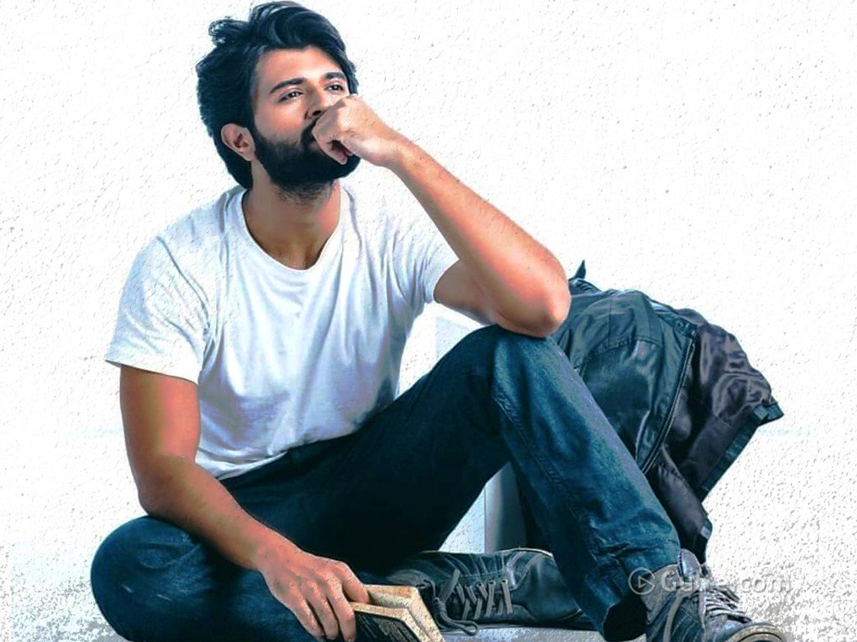 WFL: Deverakonda Craze Pushing Advance Bookings