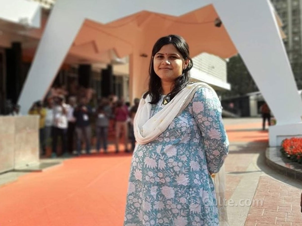 8-month pregnant MLA attends Assembly
