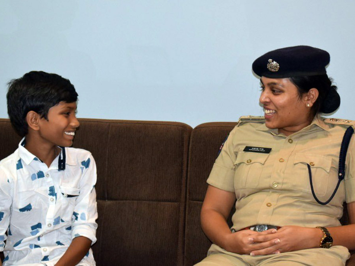 SP Wins Back Heart Of Boy, Broken By Khakis Previous Day