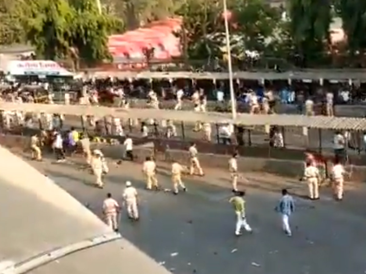 Video: Police Swing Lathis On Thousands For Defying Lockdown