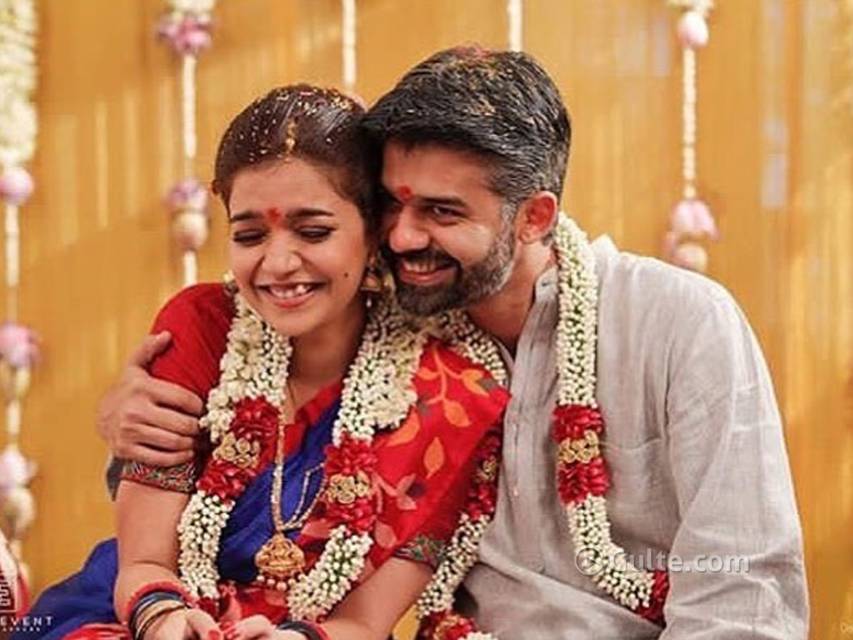 Colors Swathi Deletes Wedding & Husband's pics, What's Up?