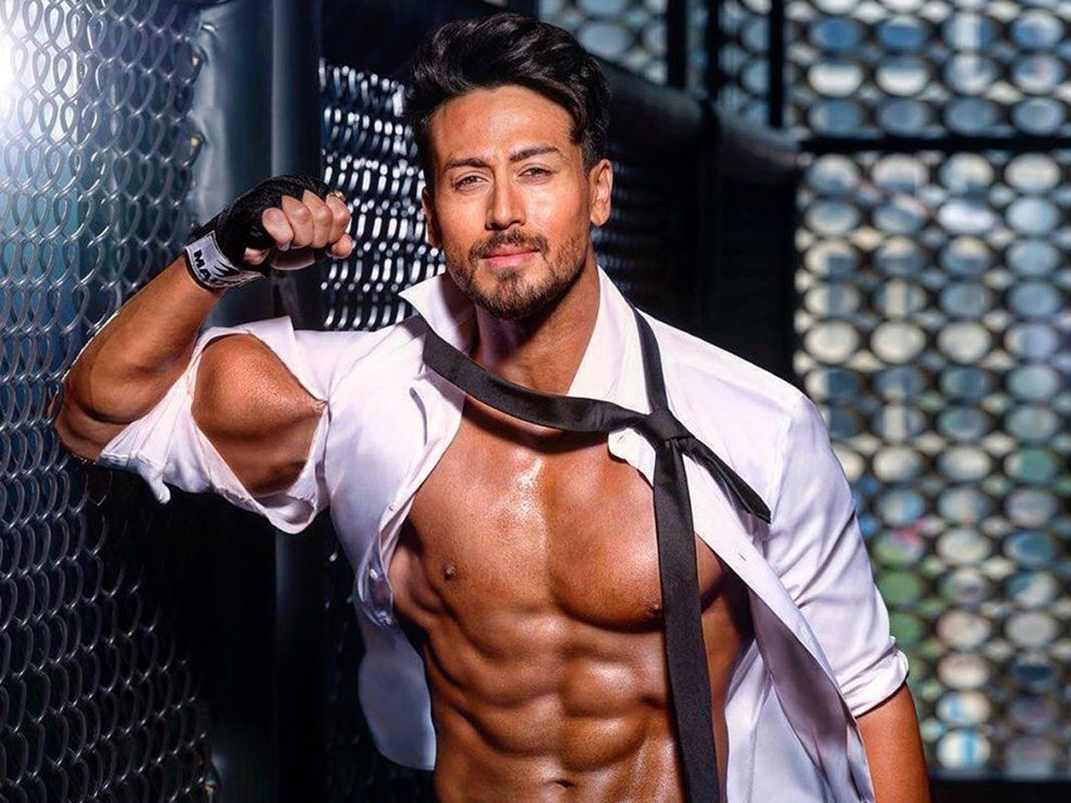 Talk Of The Town: Tiger Shroff Bags Prabhas' Role